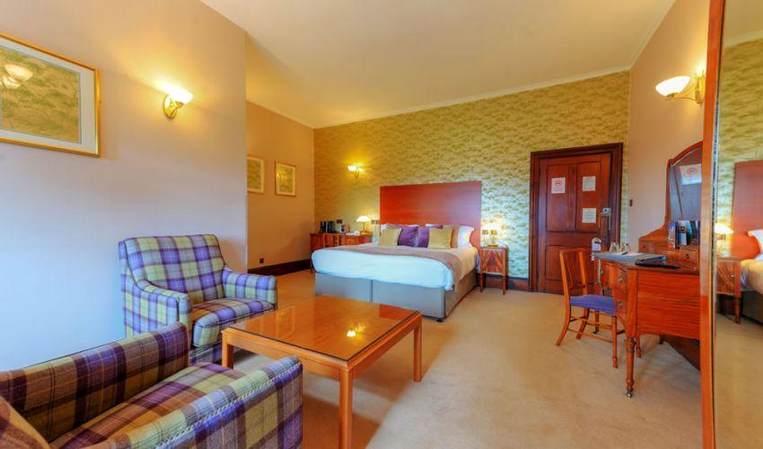 manorhouseroom1